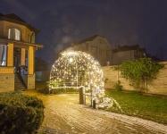 Иллюминация  территории частного дома: туи и беседка, Киев