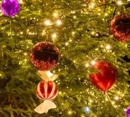 Новогодние шары и украшения больших размеров